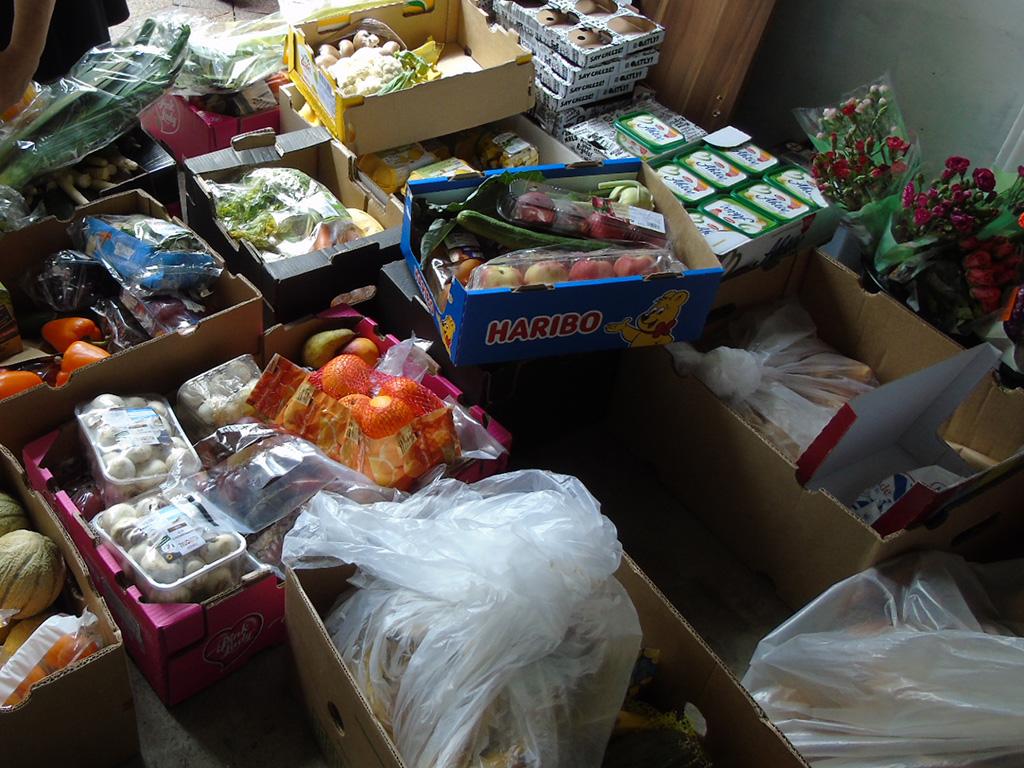 Außerdem wurden noch Melonen, Paprika, Orangen, Nektarinen und Lauchzwiebeln gespendet.